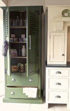 Distressed Louvered Larder 02